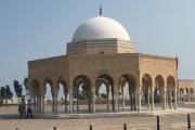 Pavillons Vorplatz Mausoleum